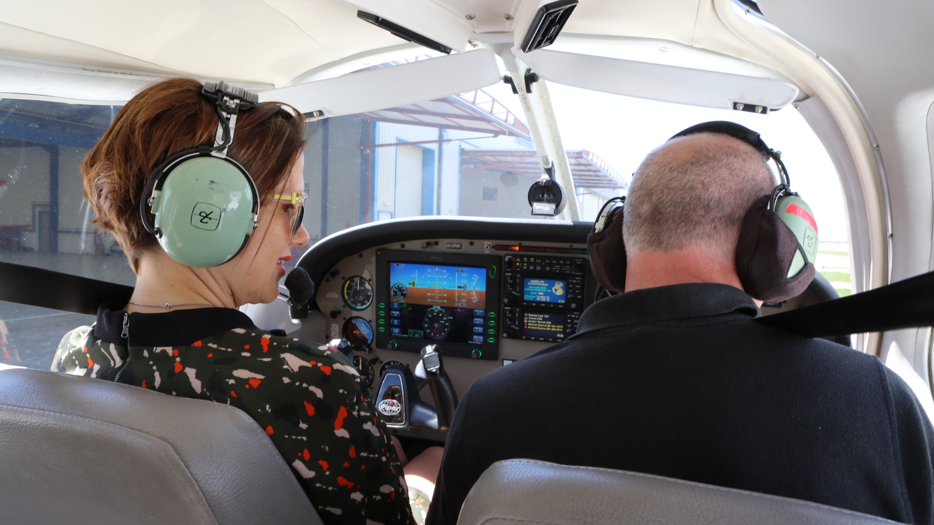 Claire Hunns in a PA28